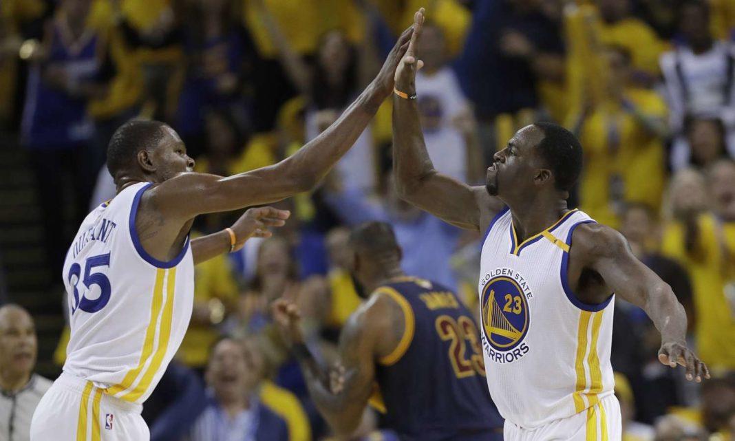 NBA: Eπιβλητικοί οι Ουόριορς