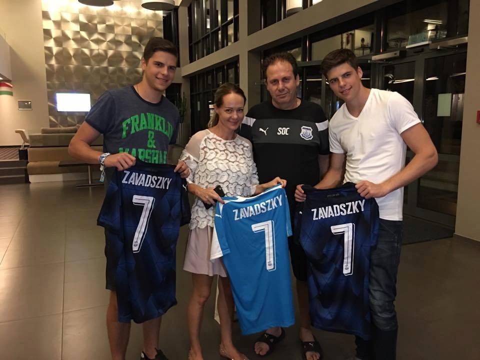 Στο προπονητικό κέντρο η οικογένεια Ζαβάντσκι